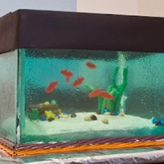 Fish tank cake, amazing!  I would like to do this for my daughter's b-day.