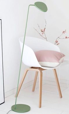 pinned by barefootstyling.com  Via Emma-b.nl | Fraulein Klein | Muuto Leaf Lamp | HAY Chair