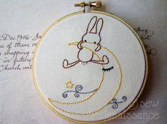 Embroidery Pattern PDF Spiral Sheep and Flowers por sewjenaissance