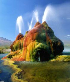 Fly Geyser - Nevada, US