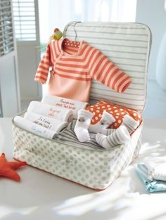 Pack a collection of gifts from all the party guests   #babyshower #partydecorations #baby #mumtobe #babyshowerthemes #babygifts #newborngifts