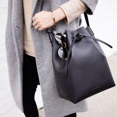 Must-Have: Bucket Bags   #trendy #bag #MansurGavriel