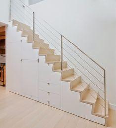escalier droit avec rangement pour un intérieur moderne