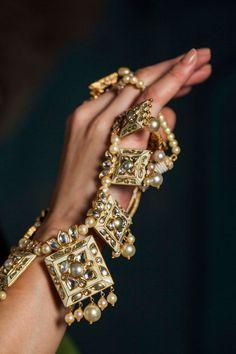 Necklace by Sunita Shekhawat. Shop for your wedding jewellery with Bridelan - a personal shopper & stylist for weddings. Website www.bridelan.com #Bridelan