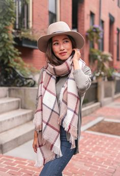 how to style a rectangular blanket scarf // fall cozy womens fashion