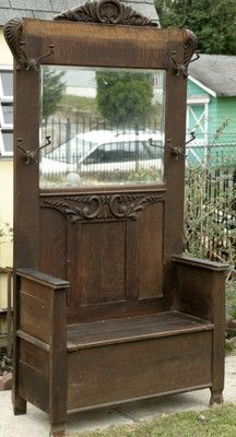 Ich liebe dieses so sehr. Keine Ahnung, wo ich es sagen würde, b … Antique coat rack w mirror. No idea where I'd put it, but I would find a way. Door Hall Trees, Hall Tree Bench, Victorian Furniture, Vintage Furniture, Antique Door Headboards, Antique Hall Tree, Antique Coat Rack, Deacons Bench, Entry Furniture