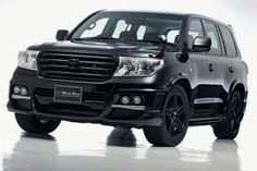 Toyota Prado is a great option if you want a land cruiser but desire a smaller vehicle option. Find an inexpensive new or used Toyota Prado at Planitium in Dubai. Land Cruiser 200, Toyota Land Cruiser, Cruiser Car, Car Websites, Toyota Lc, 4x4 Trucks, Toyota Trucks, Automotive News, Car Images