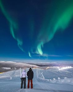 Still remember our first Aurora on top of Levi fell. Fox Running, Northern Lights Tours, Arctic Fox, Midnight Sun, Adventure Photography, Aurora Borealis, Engagement Couple, Wilderness, Remote