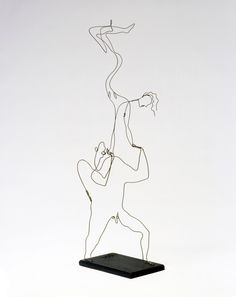 ca 1927 Alexander Calder 'Acrobats'. Wire and wood. Calder Foundation, New York. Alexander Calder, Abstract Sculpture, Sculpture Art, Wire Sculptures, Bronze Sculpture, Art Students League, Jean Arp, Kinetic Art, Arts Ed
