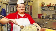 Zemiakový šalát na Vianoce poteší každého. Russian Recipes, Pasta Salad, Salad Recipes, Side Dishes, Sandwiches, Good Food, Treats, Cooking, Polish