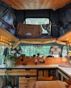 Bus Life, Camper Life, Diy Camper, Camper Van, Truck Camper, Rv Campers, Interior Cladding, Cladding Ideas, Kombi Home