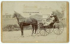 RARE-MAINE-CARRIAGE-LARGE-FORMAT-Horse-and-Buggy-Oversize-Boudoir-Cabinet-Card