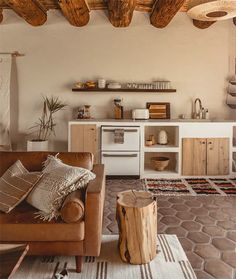 D E S I G N L O V E F E S T Hygee Home, Santa Fe Home, New Mexico Homes, Mid Century Decor, Home And Deco, Cool Kitchens, Entryway Tables, Home Goods, Kitchen Decor