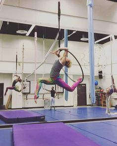 "661 Likes, 25 Comments - Paige Jarreau (@fromthelabbench) on Instagram: ""Love this combo of moves. Some moves inspired by @that_circus_freak! #aerialhoop #aerial…"""