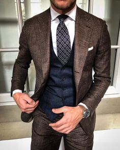 Mens Style Discover Wedding Groom Gray Classic Suits for Man Slim Fit 3 Pieces Tuxedo Vest Formal Man Street Style, Style Gentleman, Modern Gentleman, Dapper Gentleman, Designer Suits For Men, Classic Suit, Classic Style, Herren Outfit, Mens Fashion Suits
