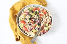 Mexicaanse macaroni salade Love Food, A Food, Food And Drink, Mexican Food Recipes, Healthy Recipes, Ethnic Recipes, Pasta Primavera, Food Inspiration, Barbecue