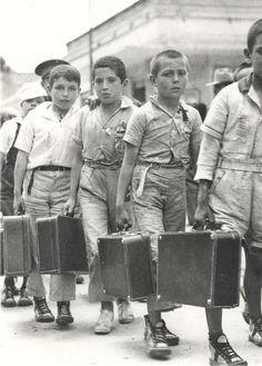 Niños españoles de familias republicanas exiliados a consecuencia de la guerra civil 1936 - 1939