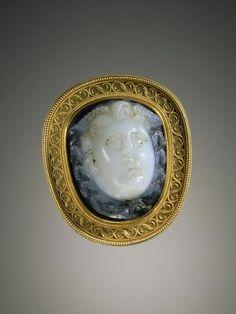Gem Unknown, Mount by Alessandro Castellani, Cameo gem set into a mount, Roman, gem 2nd - 3rd century; mount 19th century, Gem: sardonyx; Mount: gold