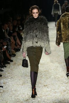 Loopy/Shaggy at Tom Ford RTW Fall 2015 - Slideshow