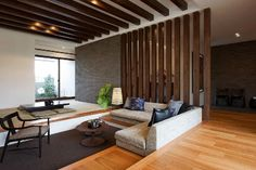 We can use such wooden grills on the drawing room 3 feet wall Japanese Modern House, Modern Tiny House, Japanese Interior, Interior Design Living Room, Living Room Designs, Living Room Decor, Home Room Design, House Design, Tatami Room