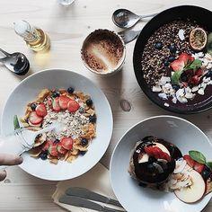 Souls, Melchiors Plads 3, Østerbro Velanrettet, smuk og sund plantebaseret mad i nyåbnede og gennemførte rammer. Bag stedet står to australske venner, der har fokus på lokalt produceret mad, samt fuldstændig gennemsigtighed, når det kommer til råvarernes rejse. Prøv fx deres Acai bowl og pandekagestak. Gluten- og sukkerfrit.