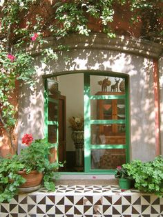 color combo - the doors -plants -tiles The Doors, Windows And Doors, Spanish Style Homes, Spanish House, Spanish Revival, Spanish Colonial, Outdoor Spaces, Outdoor Living, Halls