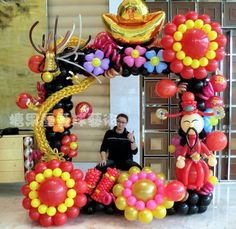 Balloon decor arch.