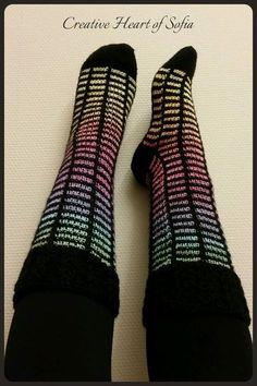 Creative Heart of Sofia: Sofia´s strumpor med lyfta maskor Knitting Socks, Knit Socks, Leg Warmers, Mittens, Knit Crochet, Crochet Patterns, Slippers, Ankle, Creative