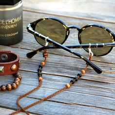 shadeloops shared a new photo on Etsy Leather Jewelry, Beaded Jewelry, Men Eyeglasses, Chains For Men, Etsy, Gold, Beaded Lanyards, Fitness, Ideas