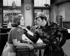 "mis actrices preferidas — Mary Murphy-Marlon Brando ""Salvaje"" (The wild one)... Marlon Brando, Brando Godfather, 1950s Jacket Mens, Cargo Jacket Mens, Green Cargo Jacket, Leather Jacket, Gary Cooper, Ingrid Bergman, Humphrey Bogart"
