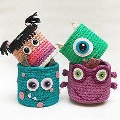 Crochet Basket Pattern, Crochet Patterns Amigurumi, Crochet Dolls, Crochet Home, Cute Crochet, Crochet Baby, Yarn Projects, Crochet Projects, Handmade Decorations