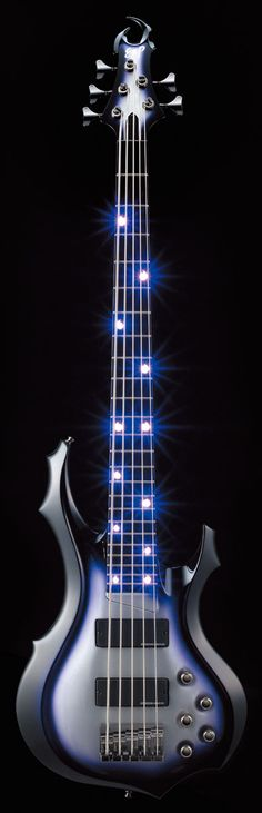 Chthonic's bassist Doris Yeh's new ESP signature bass