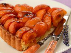 Découvrez la recette Tarte à l'abricot sur cuisineactuelle.fr.