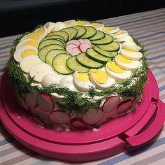 Festliche Sandwichtorte von Esslust | Chefkoch Sandwich Torte, Snacks Für Party, Brunch, Sandwiches, Birthday Cake, Desserts, Sally, Angels, Spring