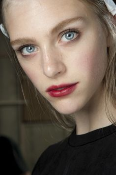 Topshop Unique Spring Summer 2015, Beauty trends, red lip
