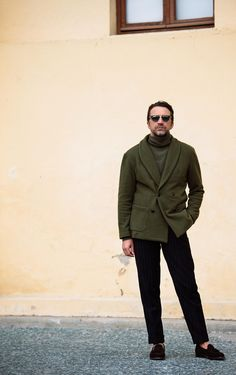 Andrea Andreoli at Pitti Uomo 87 Best Shopping Sites, Blue Suede Shoes, Men Street, Suit And Tie, Beard Styles, Fashion Lookbook, Smart Casual, Stylish Men, Couture