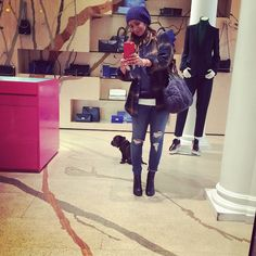 Rudi in @stellamccartney first shopping trip x #stella #fashion @astylealbum #sunday #shoping