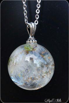 Réservé pendentif bulle en résine et fleur de pissenlit blanche : Collier par aquastella