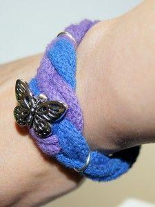 Niebiesko - fioletowa bransoletka sznurkowa z motylem