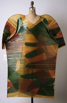 Wearable Art, Issey Miyake, Designer, Coat, spring/summer 1995, synthetic, dimensions: Length at CB: 61 in. (154.9 cm), Credit Line: Gift of Muriel Kallis Newman, 2005