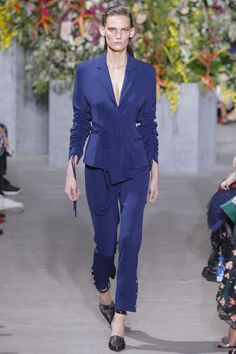 Jason Wu showed a very elegant and ethereal version of the naked trend at his NYFW runway show. Take a look here.