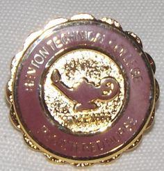 Renton Technical College RN pin, WA
