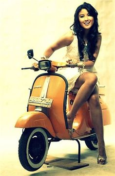 HD wallpaper Cooper Copii: Motorcycle and Girls Vespa Scooters, Motos Vespa, Vespa Px, Piaggio Vespa, Lambretta Scooter, Scooter Motorcycle, Motor Scooters, Vespa Girl, Scooter Girl