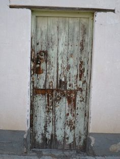Distressed Door 1 Canvas print