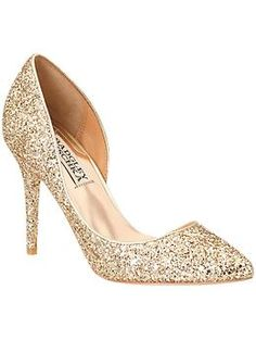 Shine on the dance floor with these gold glitter pumps.