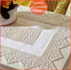 Crochet+y+dos+agujas:+Delicado+mantelito+con+borde+de+puntillas