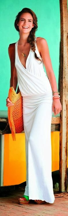 Fashion trends | White fold maxi dress with wedges sandals