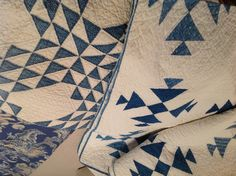 I love old blue and white quilts