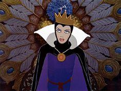 La Reine / Evil Queen - Blanche-Neige et les Sept Nains (Snow White and the Seven Dwarfs) Disney Movie Villains, Disney Movies, Disney Characters, Disney Princesses, Evil Disney, Hipster Disney, Disney Disney, Disney Horror, Disney Stuff