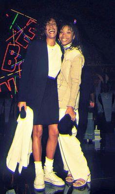 I Will Always Love You Whitney Houston Lyrics - Music Videos With Lyrics Beverly Hills, Whitney Houston Pictures, Star Trek Posters, Hip Hop And R&b, Black Girls Rock, American Singers, Beautiful Black Women, 90s Fashion, Black History